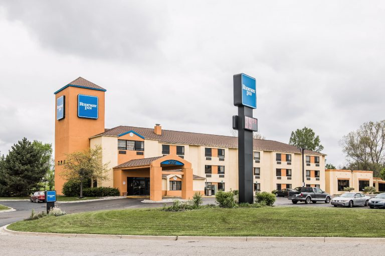 Rodeway Inn Airport Flint Mi Hotels Michigan