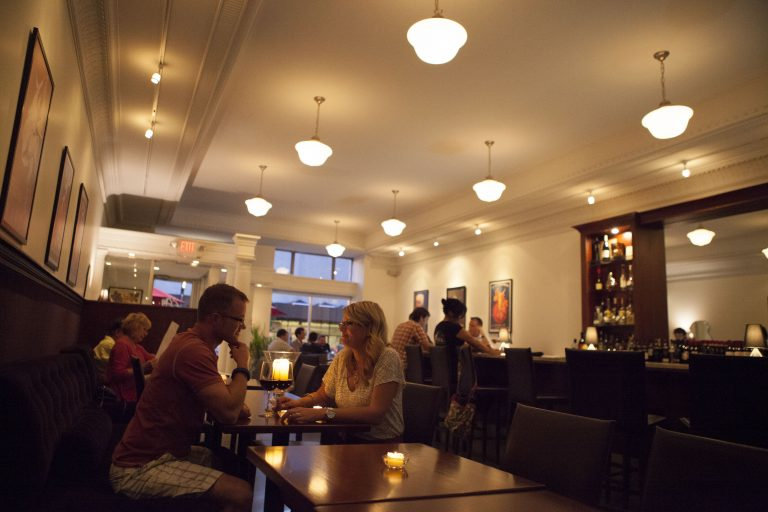 Discover These Date Night Restaurants Explore Flint Genesee